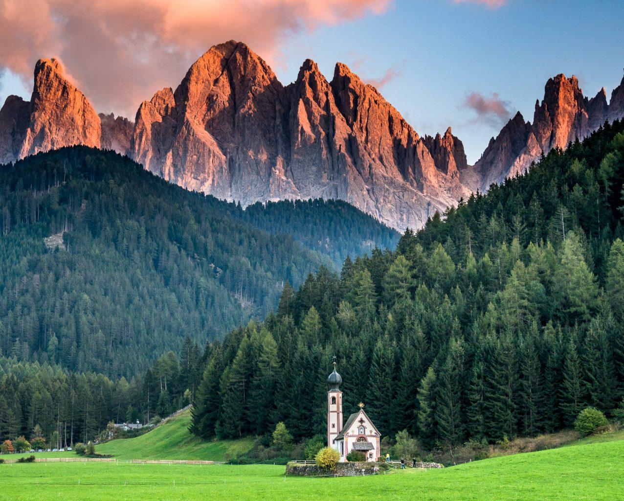 Gardena Pass: Santa Maddalena Church