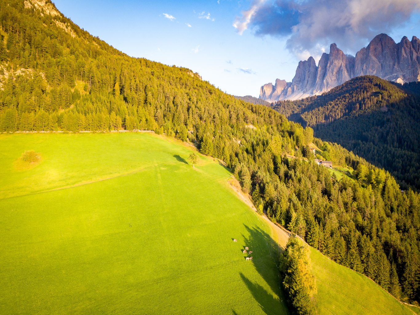 Cropping: Val di Funes - uncropped