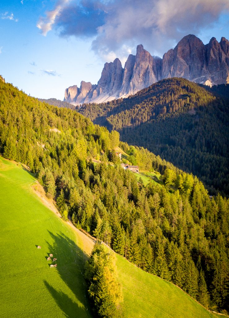 Cropping: Val di Funes, image cropped