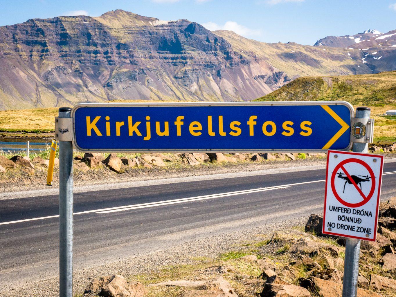 Kirkjufellsfoss sign