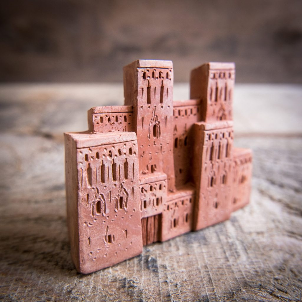 Small clay Moroccan buildings